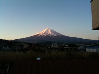 山梨の実家の今から見える富士山